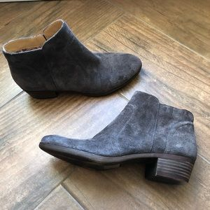 Lucky brand grey ankle boots